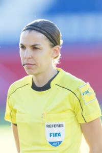 Stéphanie Frappart arbitra
